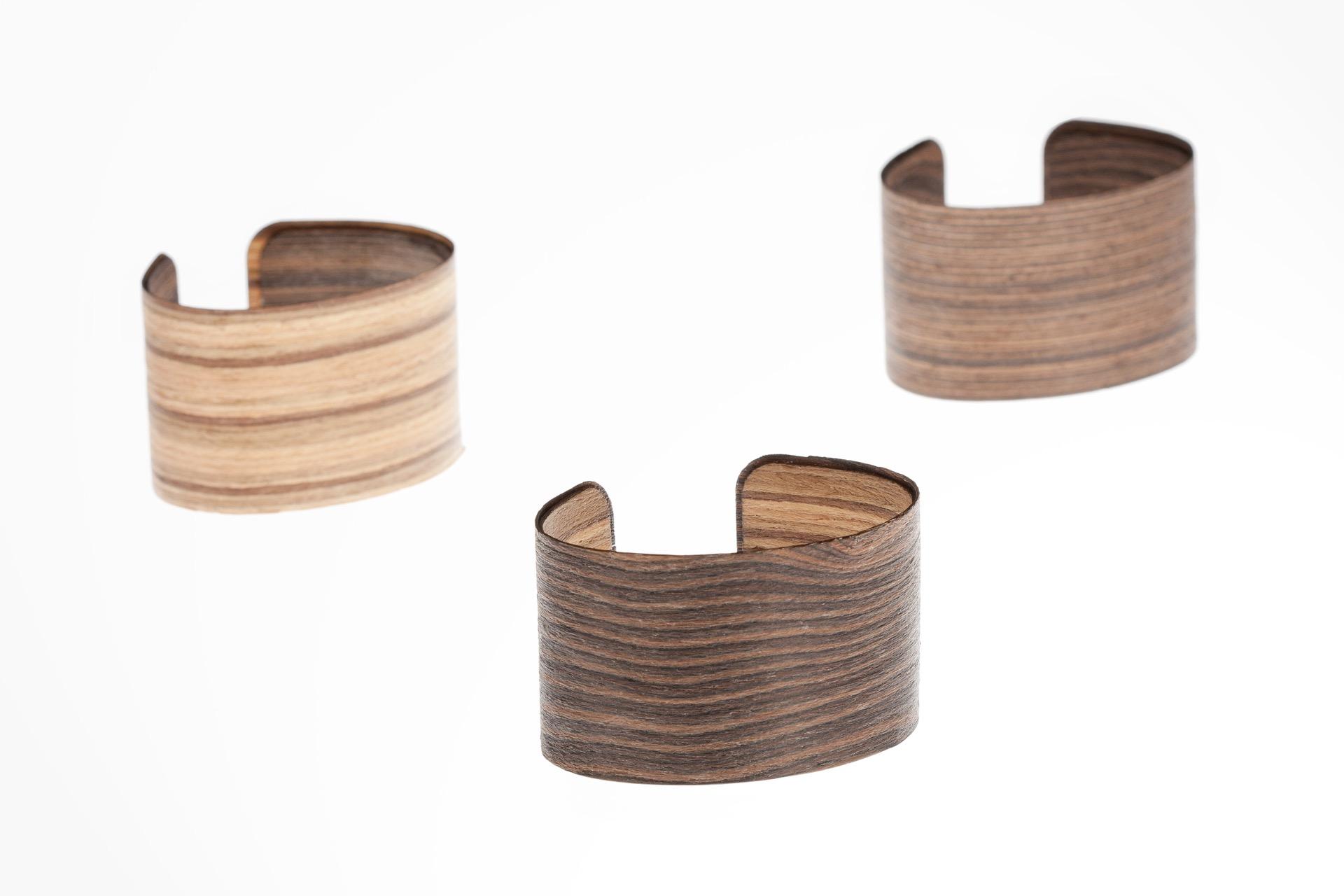 Sustentabilidad La ligereza visual del brazalete no resta resistencia para el uso en la vida cotidiana.